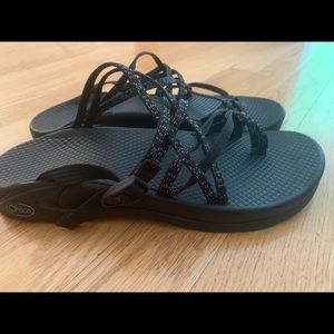 Used Women's Chacos Size 8